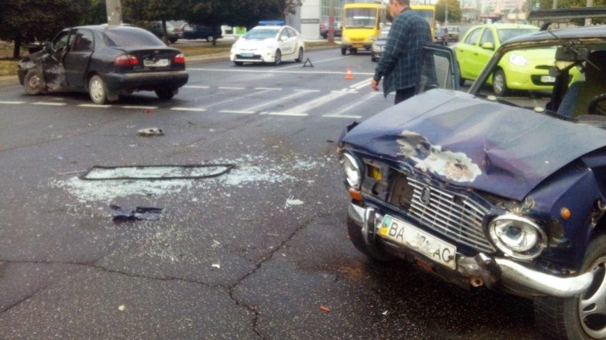 В Кропивницком произошло серьезное ДТП: пострадало два человека (ФОТО), фото-6