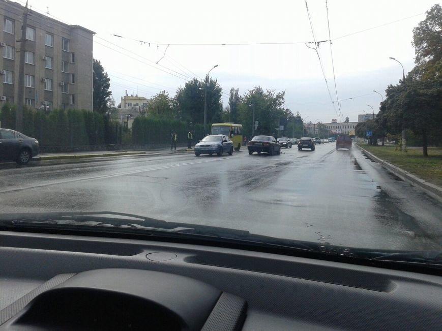 В Кременчуге на проспекте Свободы произошли сразу два ДТП по одной и той же причине (ФОТО), фото-1