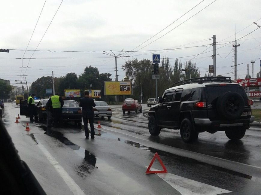 В Кременчуге на проспекте Свободы произошли сразу два ДТП по одной и той же причине (ФОТО), фото-2