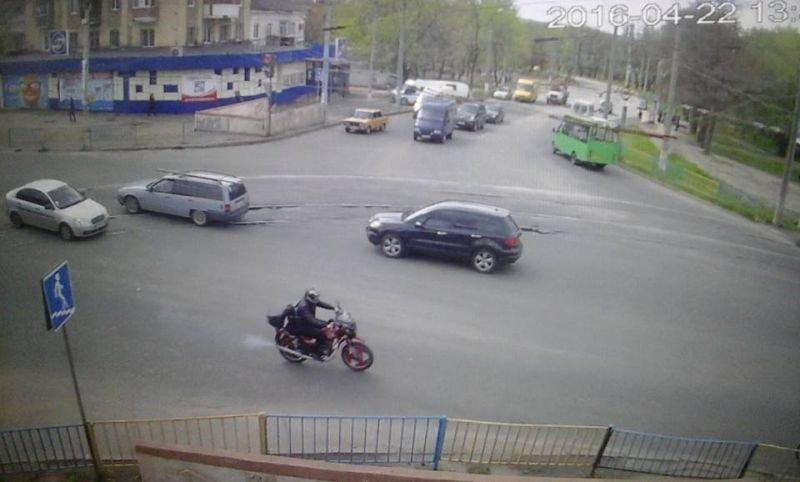 Краматорские полицейские нашли водителя грузовика, который сбил мотоциклиста и скрылся (ФОТО), фото-6