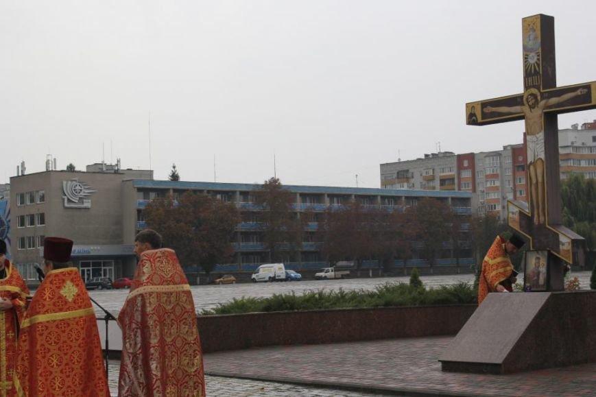 Кременчужане помолились на площади Победы за погибших защитников города и страны (ФОТО), фото-8