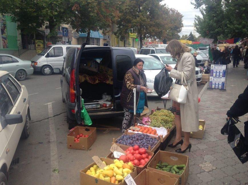 """Стихийный рынок """"под прикрытием"""" (ФОТОФАКТ), фото-1"""