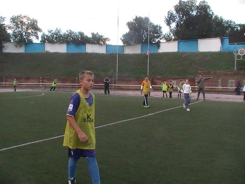 Енакиевские мальчишки сразились в дворовой футбол, фото-1