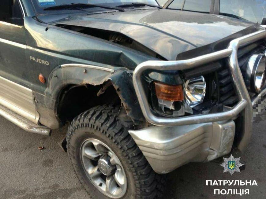 В Кропивницком внедорожник устроил двойное ДТП и скрылся с места происшествия (ФОТО), фото-2
