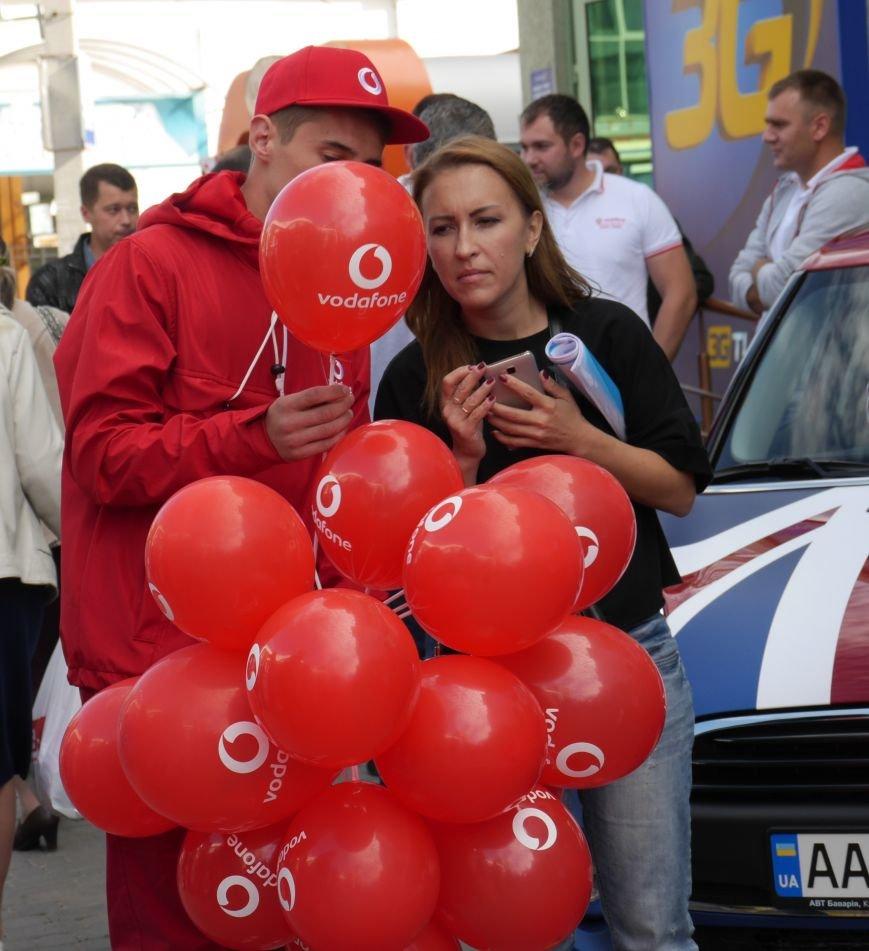 У Тернополі відкрили магазин Vodafone (фоторепортаж), фото-6