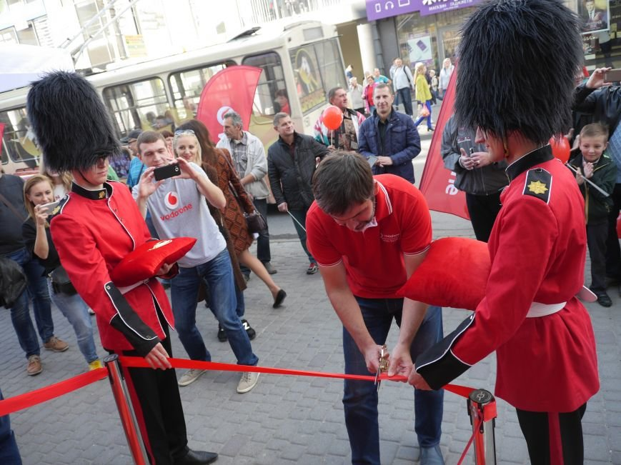 У Тернополі відкрили магазин Vodafone (фоторепортаж), фото-3