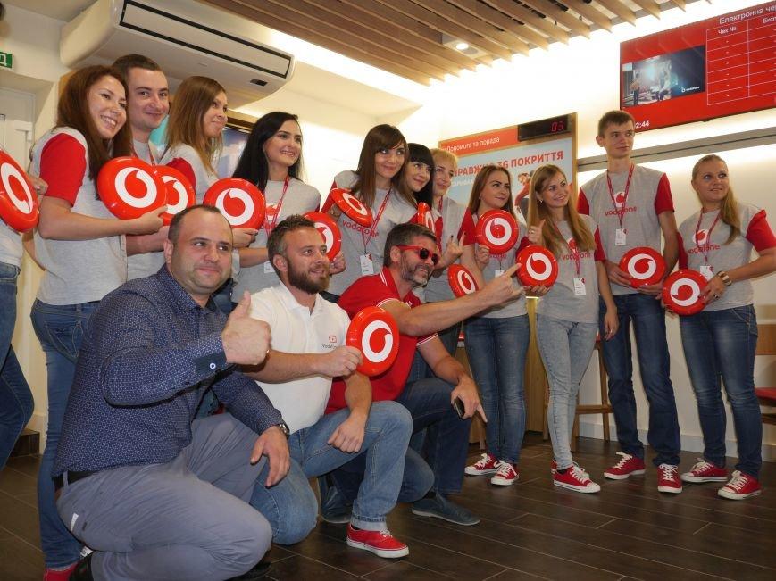 У Тернополі відкрили магазин Vodafone (фоторепортаж), фото-15