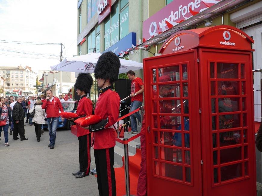 У Тернополі відкрили магазин Vodafone (фоторепортаж), фото-1