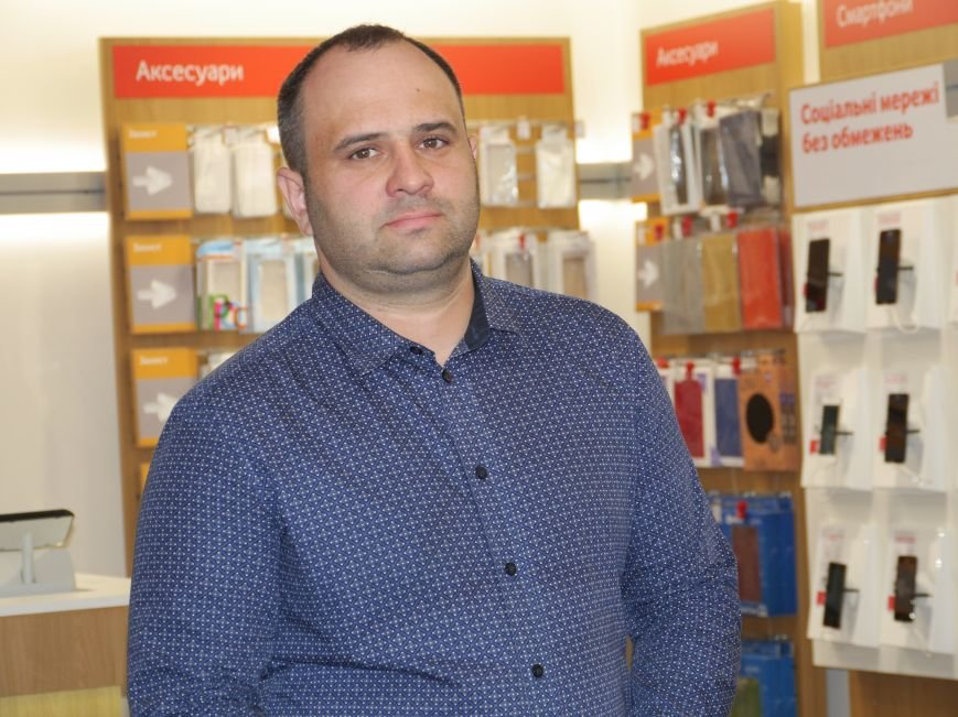У Тернополі відкрили магазин Vodafone (фоторепортаж), фото-14