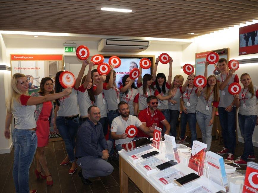 У Тернополі відкрили магазин Vodafone (фоторепортаж), фото-9