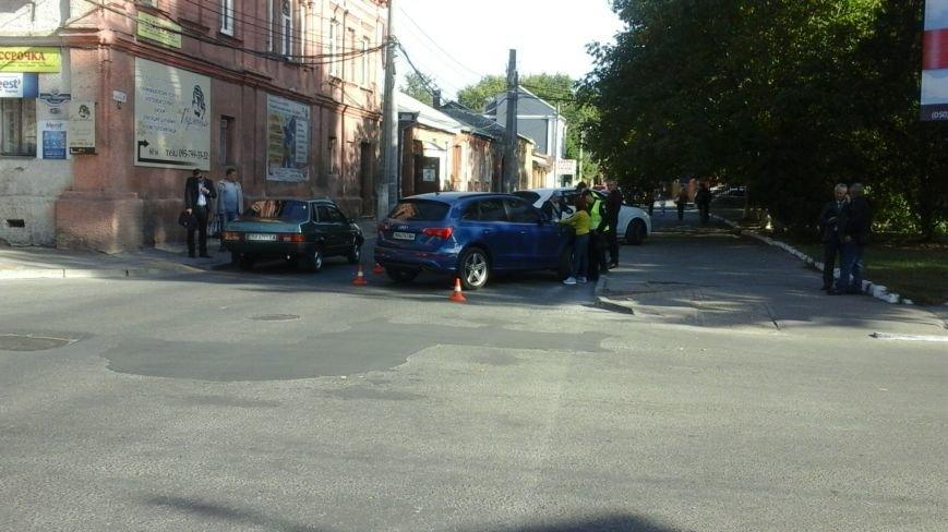 В центре Кропивницкого произошло ДТП. ФОТО, фото-1