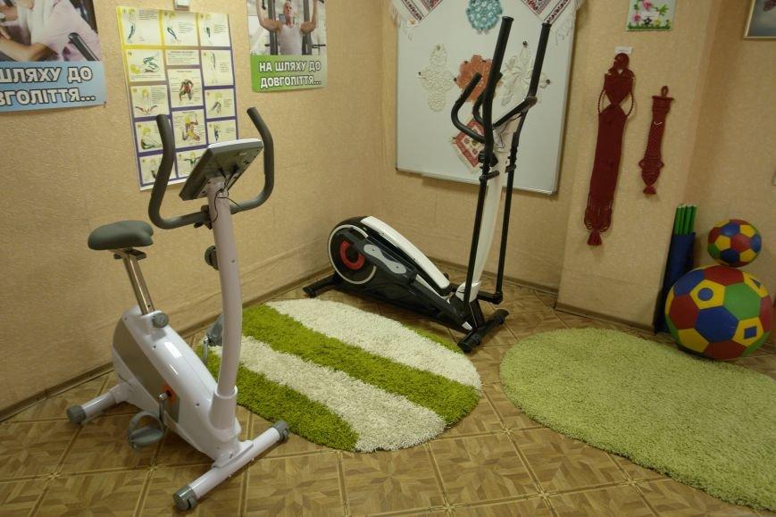 В Покровске (Красноармейске) пенсионерам подарили тренажерный зал, фото-3