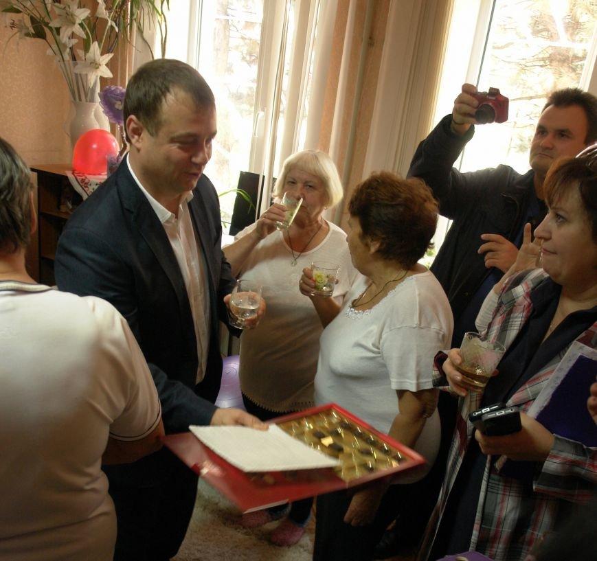 В Покровске (Красноармейске) пенсионерам подарили тренажерный зал, фото-9