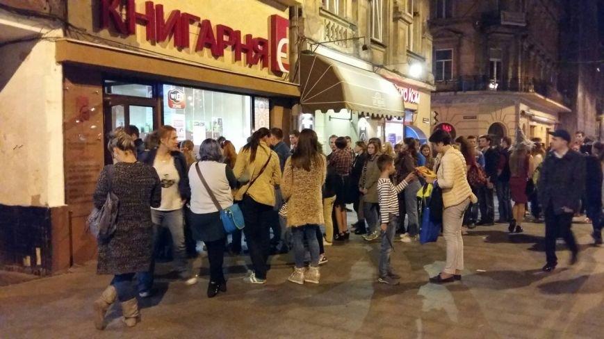 Лихоманка на Поттера: як львів'яни штурмували книжкову крамницю заради нової книжки про чаклуна(ФОТО), фото-2