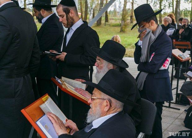 Место чудес. Как сотни иудеев со всего мира приехали в Радунь помолиться на могиле Хафеца Хаима, фото-13