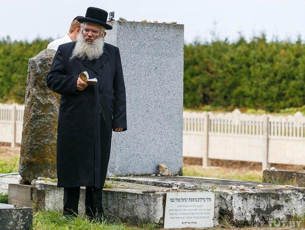 Место чудес. Как сотни иудеев со всего мира приехали в Радунь помолиться на могиле Хафеца Хаима, фото-5