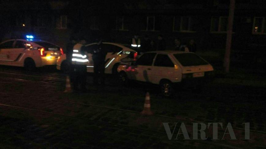 Вночі у Львові патрульні поліцейські потрапили у ДТП (ФОТО), фото-1