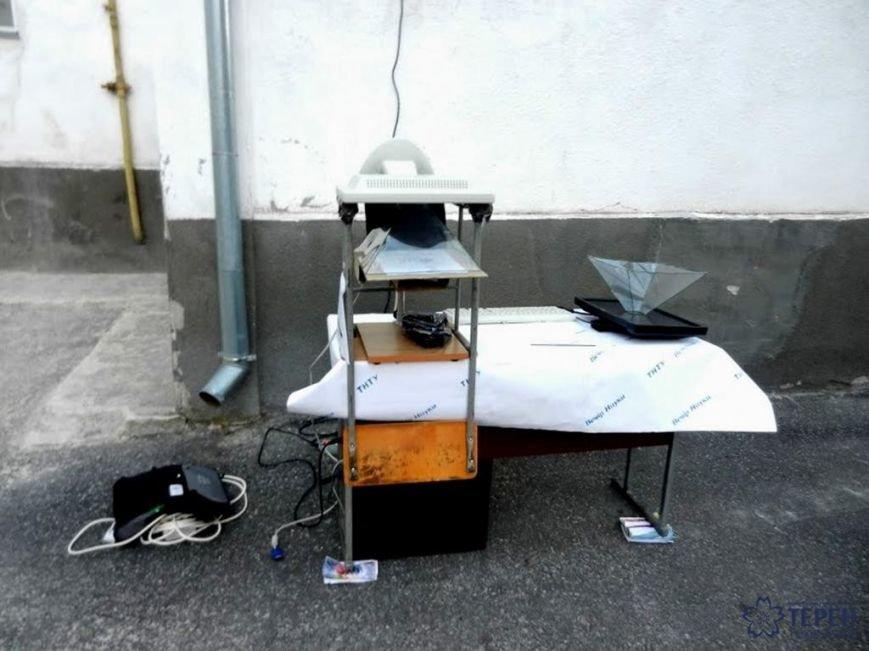 У Тернополі студенти заряджали гаджети від овочів (фото), фото-3