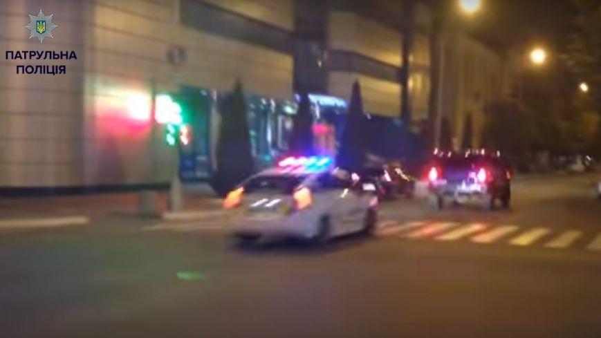 """""""Водитель-гонщик"""" из Hummer сам явился в патрульную полицию и сдался, фото-1"""