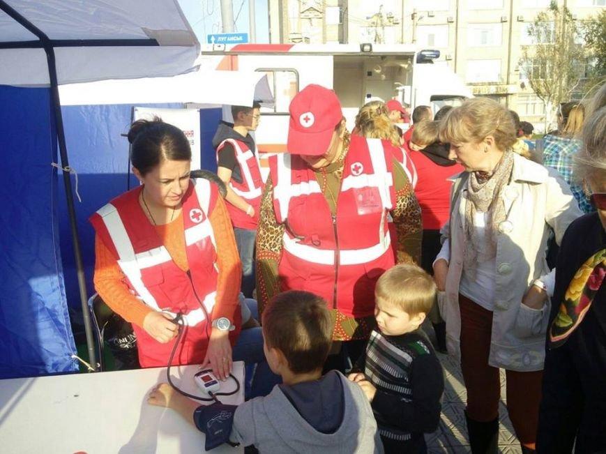 В Северодонецке волонтеры учили горожан оказанию медпомощи (фото), фото-1