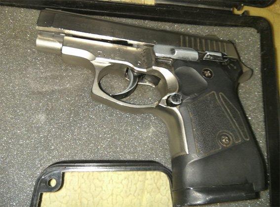 Ранее судимый мужчина хранил дома наркотики, оружие и боеприпасы (ФОТО), фото-3
