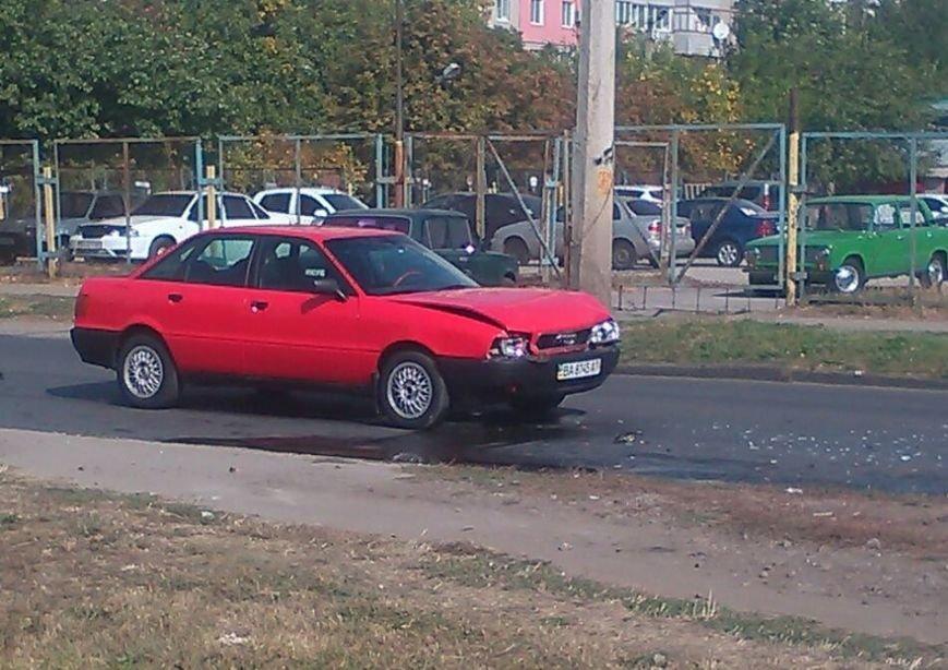 ДТП в Кропивницком: автомобиль врезался в прицеп (ФОТО), фото-4