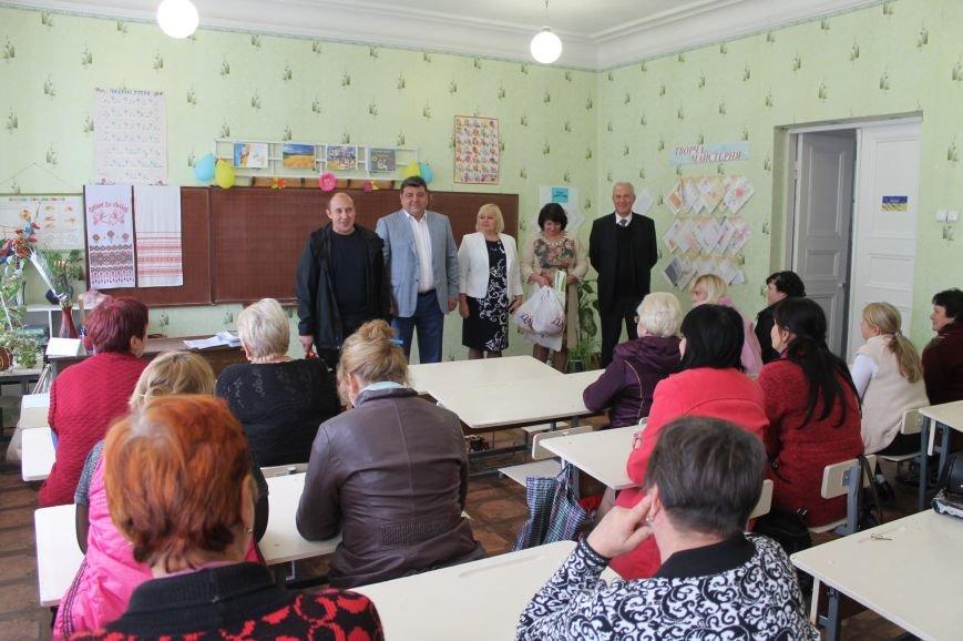 Педагоги Северска принимали поздравления с профессиональным праздником, фото-3