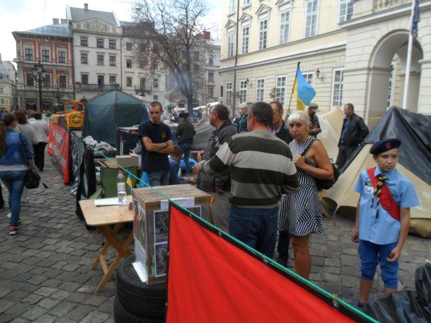 Протест триває: На площі Ринок учасники АТО зібрали вже майже вісім тисяч підписів (ФОТО), фото-2