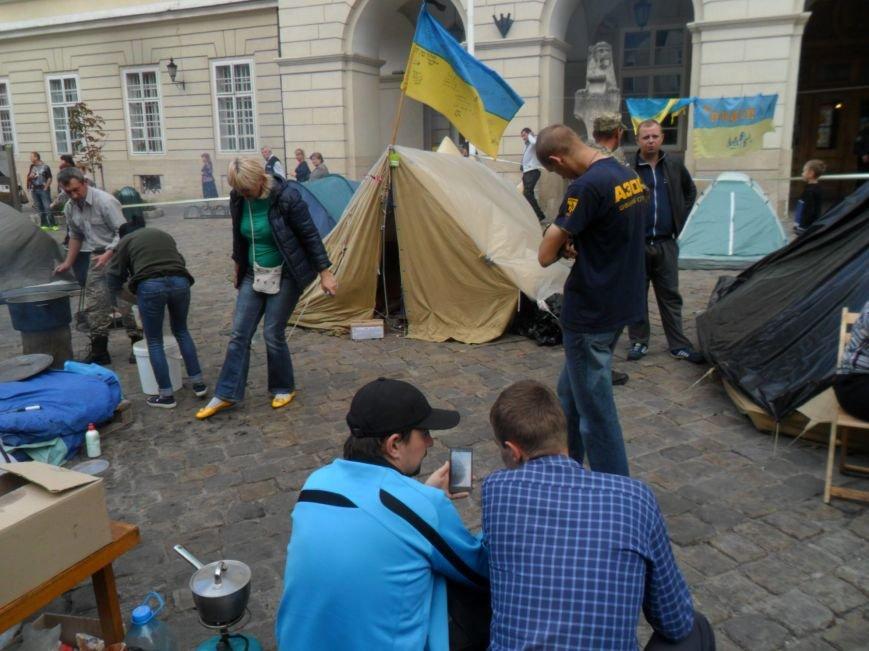 Протест триває: На площі Ринок учасники АТО зібрали вже майже вісім тисяч підписів (ФОТО), фото-4