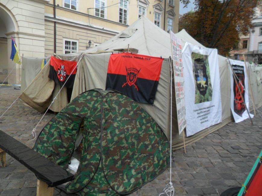Протест триває: На площі Ринок учасники АТО зібрали вже майже вісім тисяч підписів (ФОТО), фото-1
