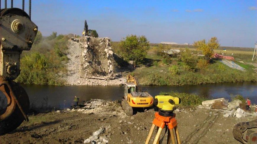 Жебривский ждет, что разрушенные мосты восстановят доконца года