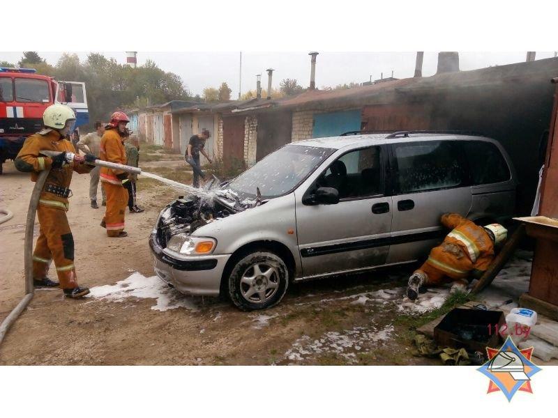 В Гродно двое мужчин получили серьезные ожоги, пытаясь потушить пожар в гараже, фото-2
