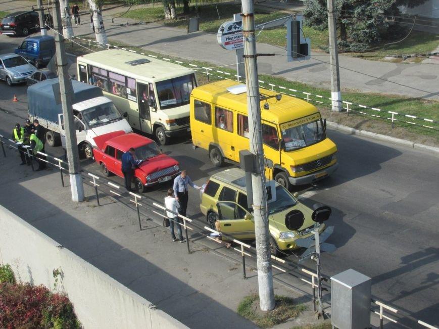 """В Кременчуге в районе ЖД-вокзала тройное ДТП: стукнулись Honda, """"копейка"""" и """"ГАЗель"""" (УТОЧНЕНО) (ФОТО, ВИДЕО), фото-5"""