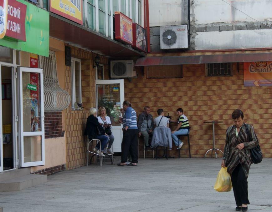 Ужгородський вокзал: атмосфера «Трьох горбів», стихійна торгівля та бродячі пси, фото-9