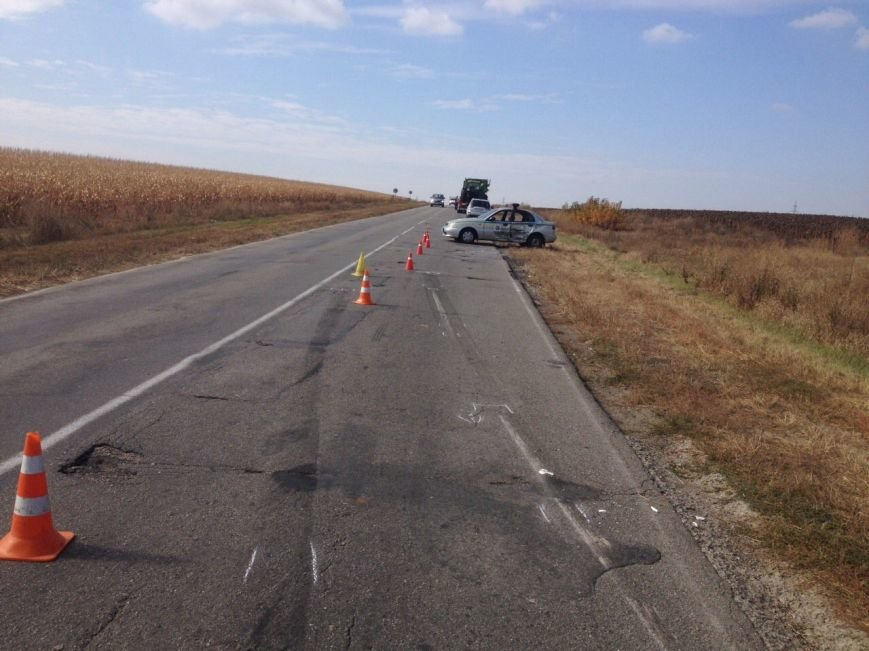 За Кропивницким грузовик протаранил полицейский автомобиль (ФОТО), фото-1