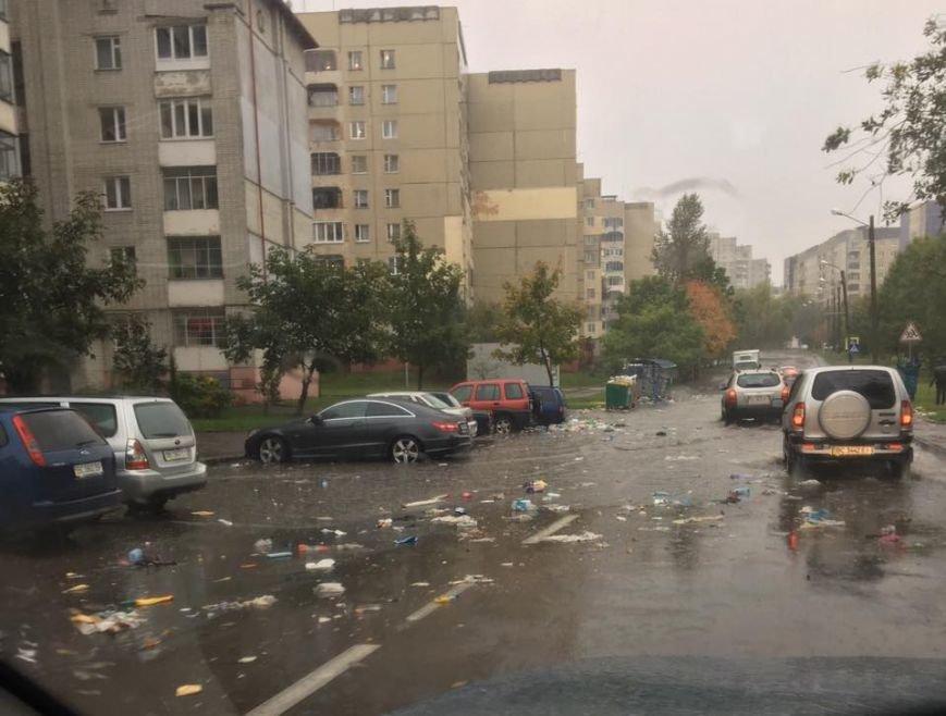Львів перетворився на Венецію: на яких вулицях ні пройти, ні проїхати (ФОТО+ВІДЕО), фото-6