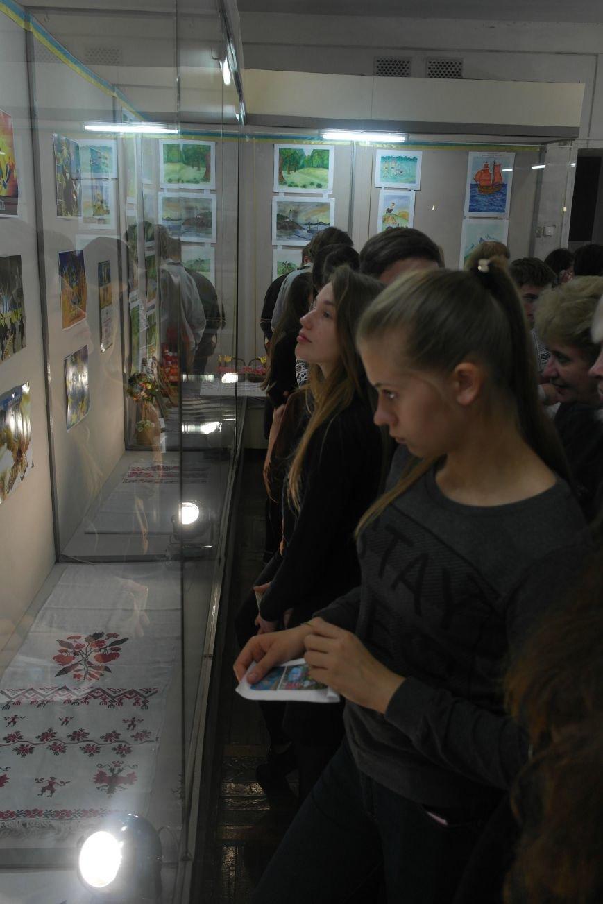 В Покровске (Красноармейске) стартовала культурно-художественная акция «Искусство в зоне АТО»:, фото-25