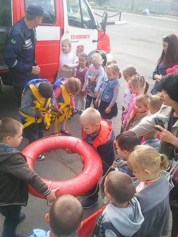 """На Херсонщине малыши помогли пожарным справиться с """"пламенем"""" (фото), фото-2"""