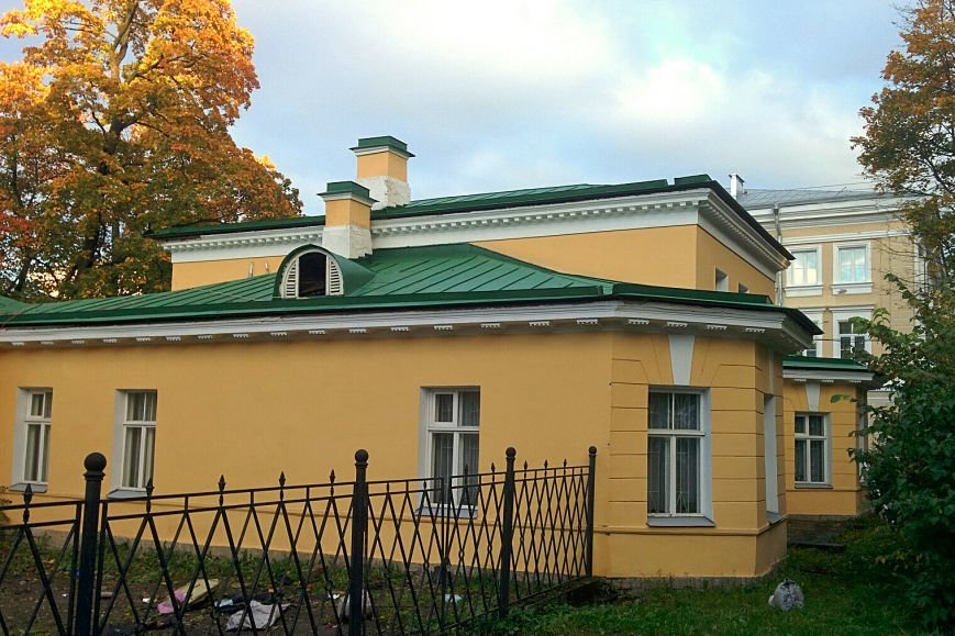 Крыша на доме Теппера в Пушкине обрела исторический облик, фото-1