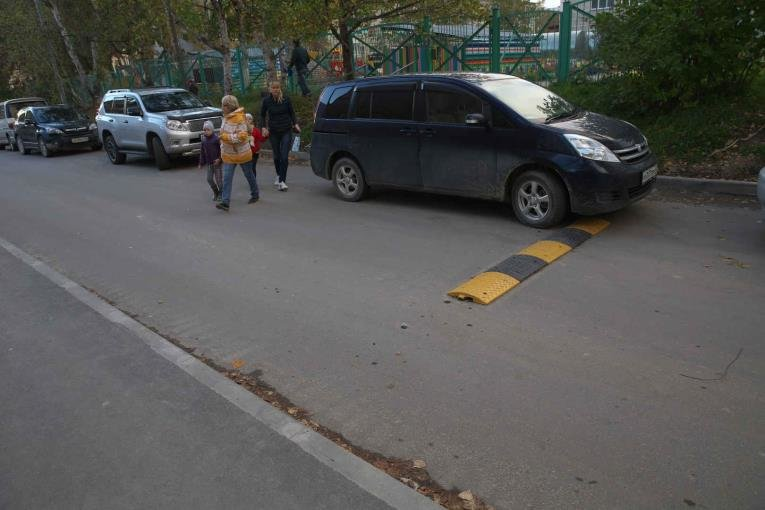 В Южно-Сахалинске украли «лежачих полисменов», фото-2