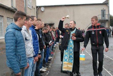 Як у Тернополі відправляли юнаків до війська? (фото), фото-3