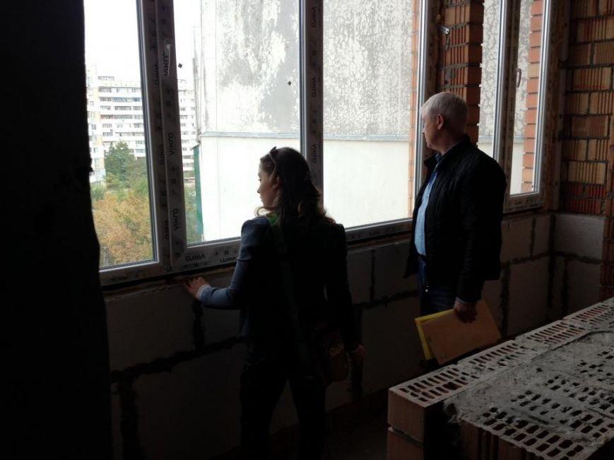 Херсонская спорстменка Елизавета Мерешко посмотрела варианты квартиры, которую ей обещали подарить местные власти (фото), фото-2