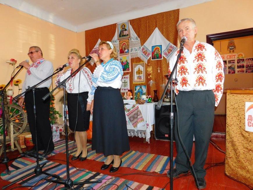 В Шевченковском сельском клубе преобразилась сцена, фото-4