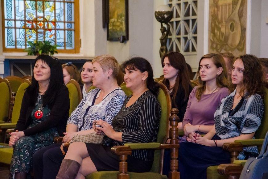 Студенты из Донбасса приняли участие в необычном мастер-классе в органном зале Днепра (ФОТО), фото-2