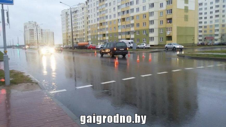 В Ольшанке водитель на пешеходном переходе сбил девушку, фото-4