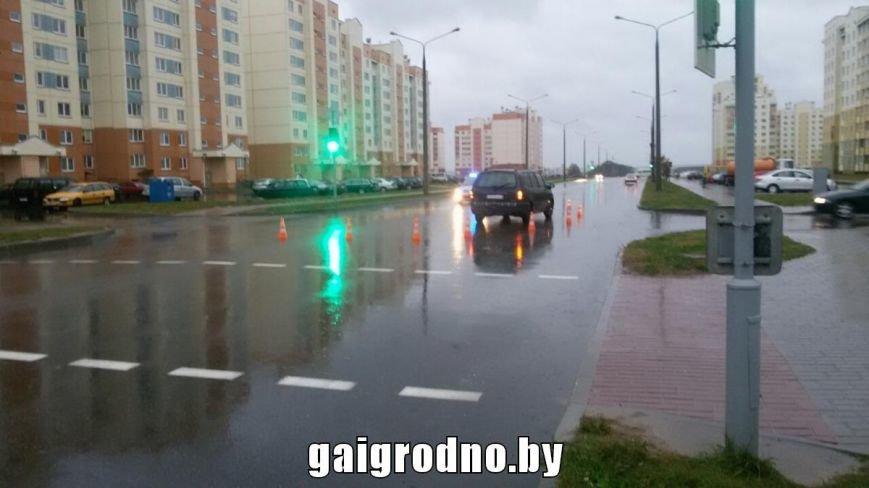 В Ольшанке водитель на пешеходном переходе сбил девушку, фото-2