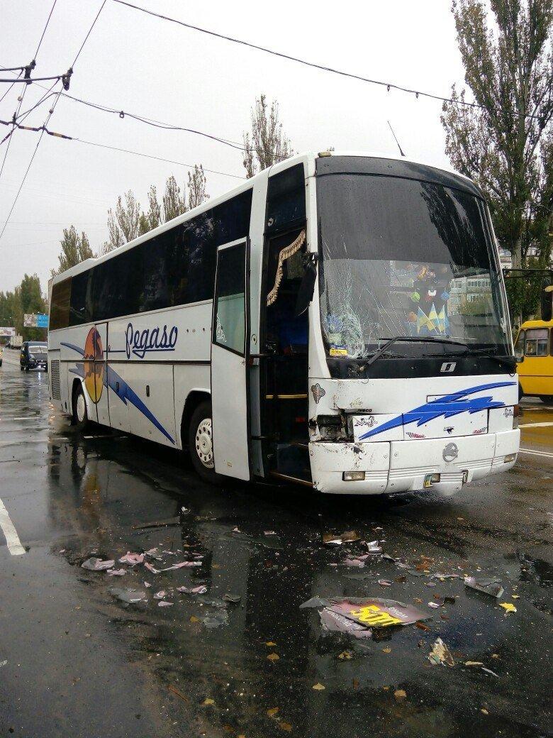 ДТП в Кропивницком: столкнулись две маршрутки и рейсовый автобус (ФОТО), фото-2