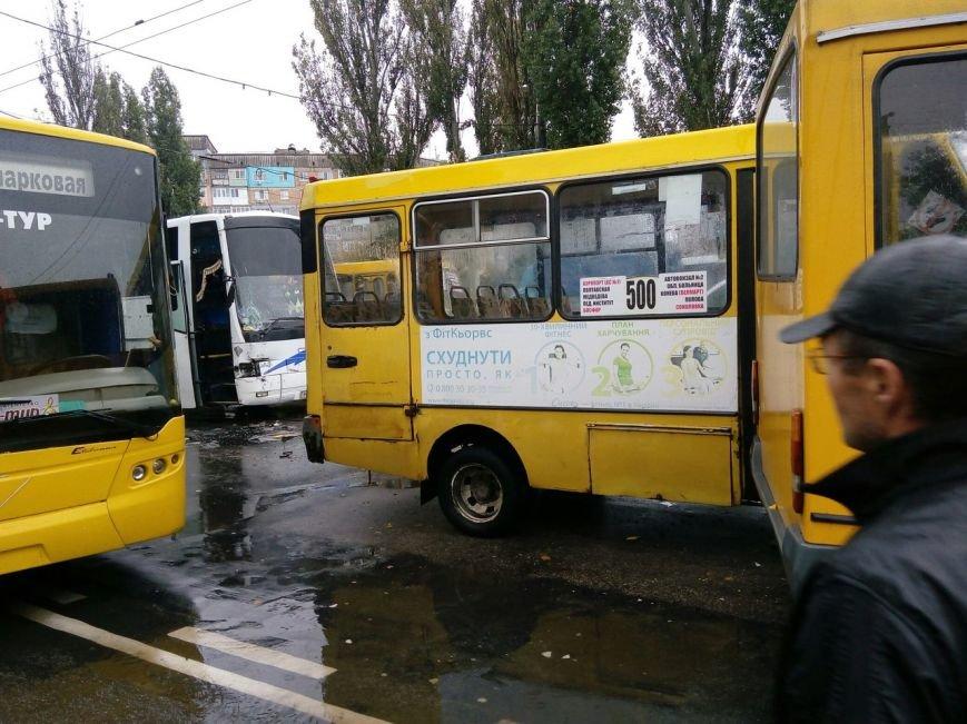 ДТП в Кропивницком: столкнулись две маршрутки и рейсовый автобус (ФОТО), фото-5