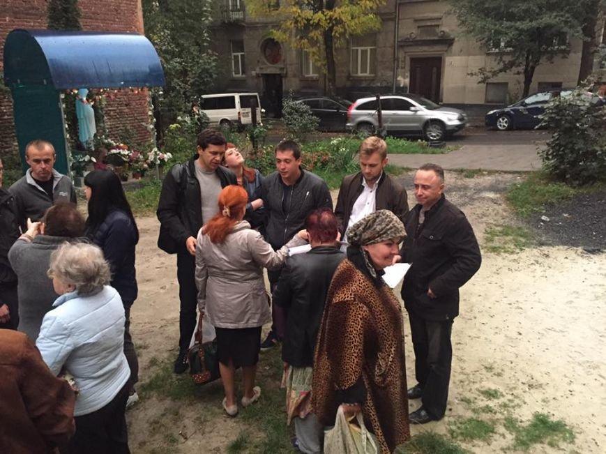 На вулиці Хорватській у крихітному подвір'ї забудовник має намір звести 5-ти поверхову будівлю: мешканці проти (ФОТО), фото-2