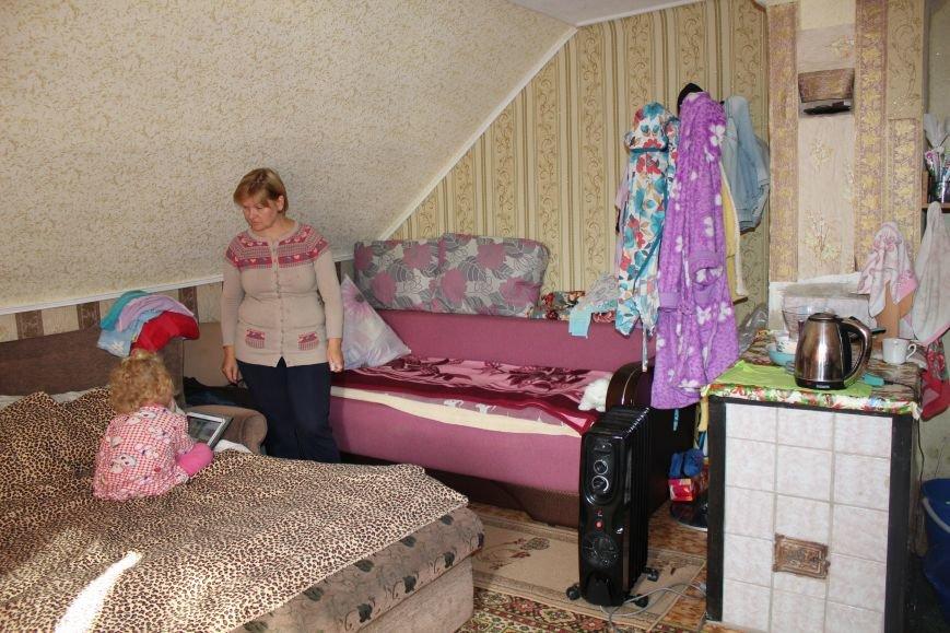 Семья в Мариуполе ждет квартиру 33 года (ФОТО), фото-5